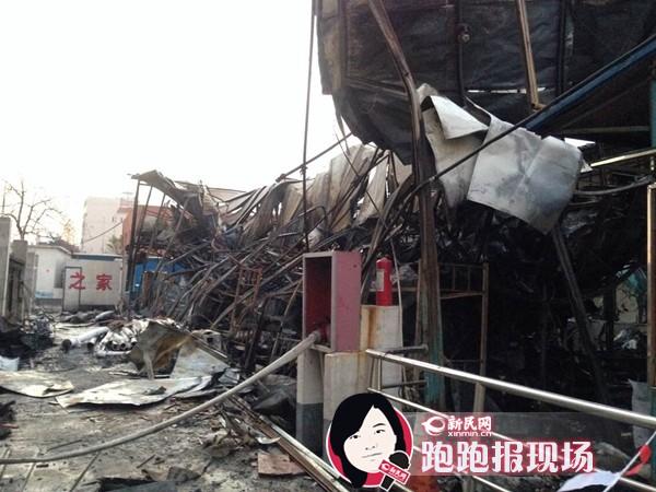 中山南二路一工地发生火灾 无人员伤亡