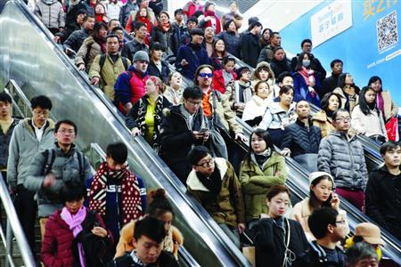 返程客流持续至今 16号线3站常态限流