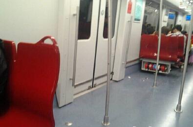 释疑:多拆座椅或改纵排会致车辆超载