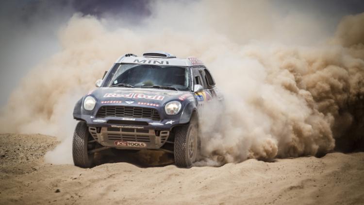 mini车队连续四年获达喀尔拉力赛冠军高清图片