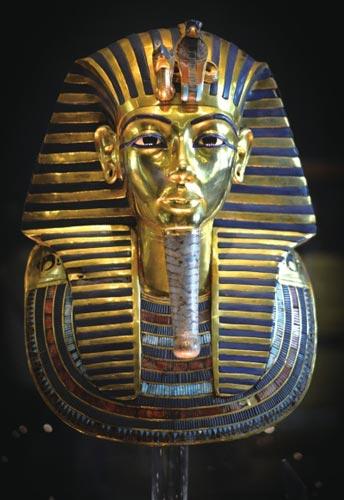 埃及博物馆总经理 法老黄金面具未遭到损坏图片