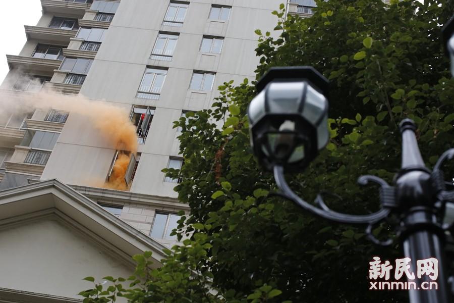 消防演习!高层突发火情!