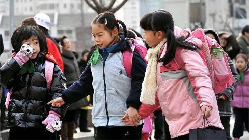沪公布义务教育招生意见:人户分离可居住地入学