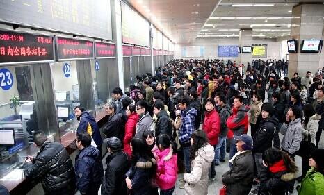 25万旅客踏上返乡路
