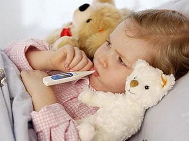5个月宝宝摔了发烧怎么回事啊