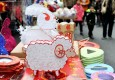 元宵节将至 上海街头手工兔子灯悄然走俏