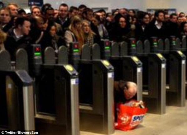 伦敦地铁下班高峰