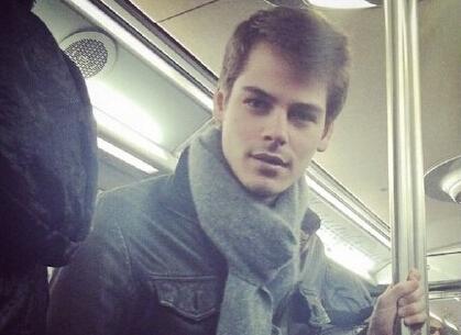 巴黎地铁上被偷拍的民间帅哥们