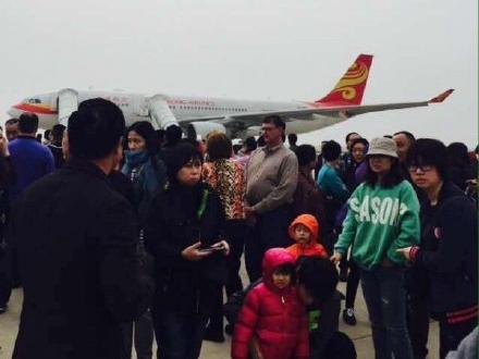 北京飞香港航班疑似有炸弹备降武汉 警方称系谎报