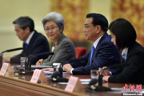 [2015两会]李克强:今年省一级将公布权力和责任清单
