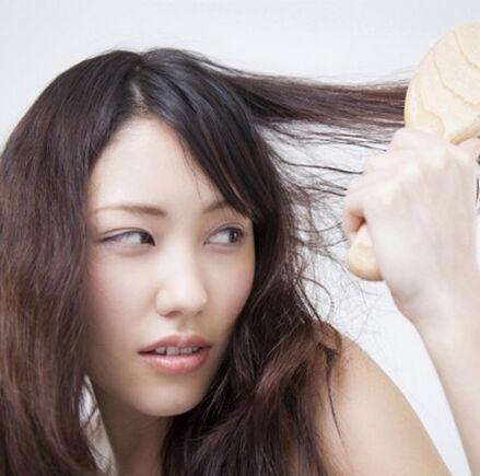 日本my navi woman网站3月13日就关于女性对于头发的烦恼和处理方法做图片