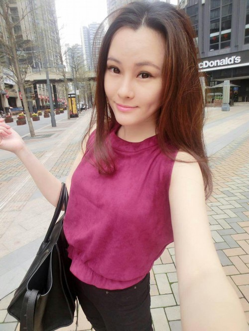《非诚勿扰》8号女嘉宾彭杨受追捧 表示很意外
