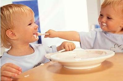 正确训练宝宝吃饭
