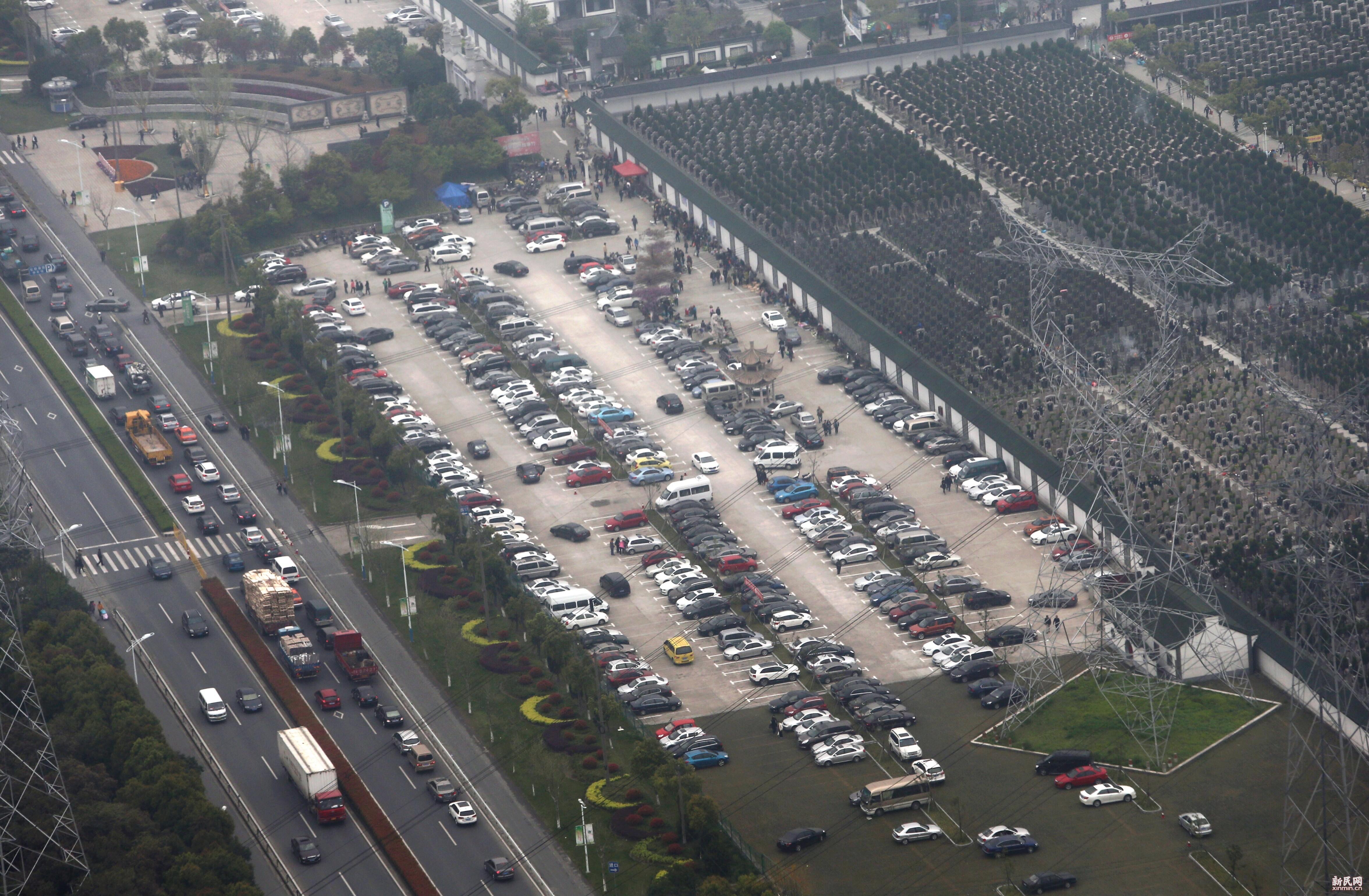 昨上海扫墓客流创历史新高 今天部分道路仍拥堵