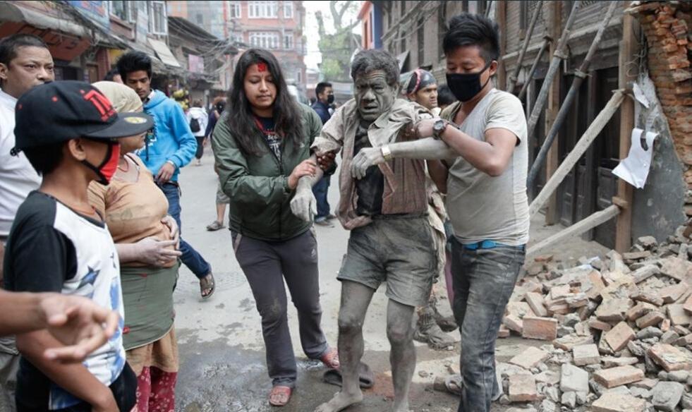 大地震后的尼泊尔城市一片狼藉。网络图