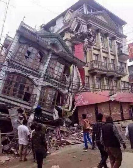 尼泊尔方面表示要倾尽全国之力进行搜救。网络图