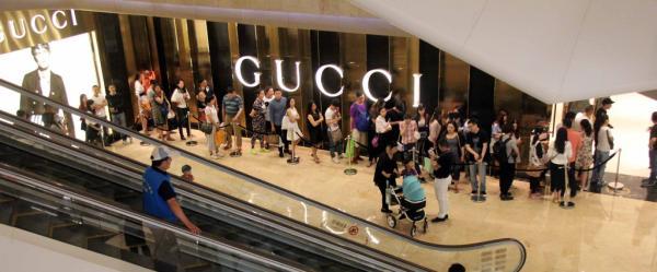 Gucci在上海等多地5折促销 部分爆款被抢光