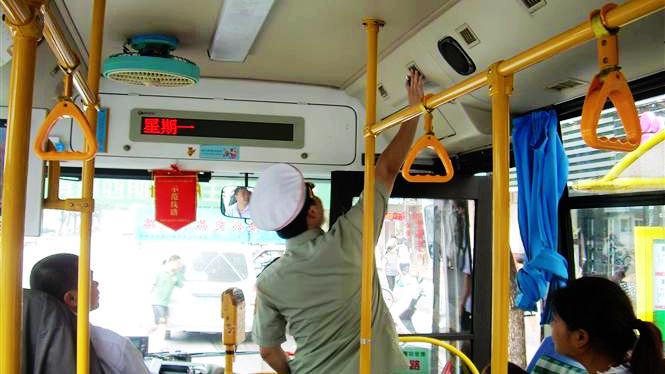 申城公交车今天起必须开启空调 未开可拒付车费