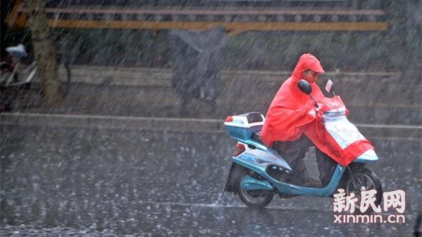雷雨影响申城空港 东航上航已取消162个进出港航班