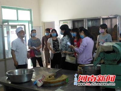 """许昌文峰幼儿园:打造""""透明厨房""""构建幼儿食品安全平台"""