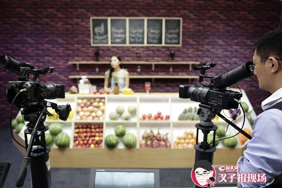 """来上海展览中心感受""""电视节""""气氛"""