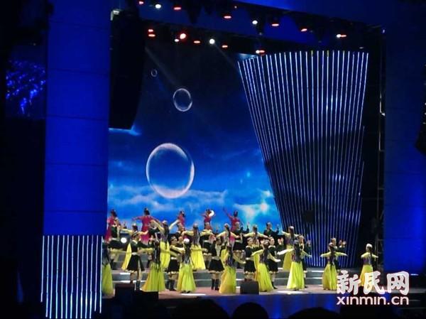 千年丝绸艾德莱斯亮相上海 香樟环绕共话发展