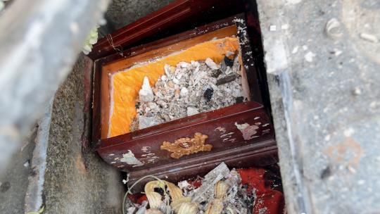 杭州一男子盗墓200余座 从骨灰盒里偷金饰卖