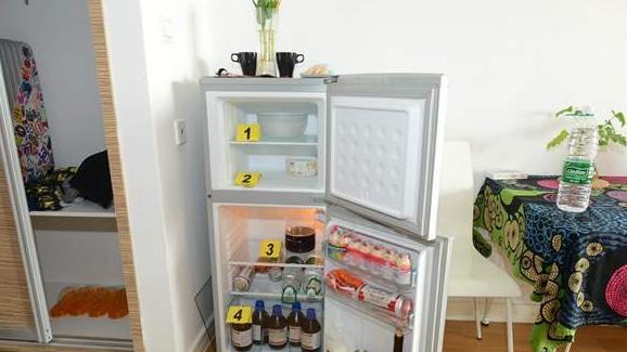 沪警方抓获两对制毒夫妻 租公寓自主研制冰毒
