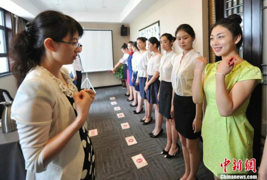 中国空乘招聘持续火爆 90后美女帅哥成绝对主力