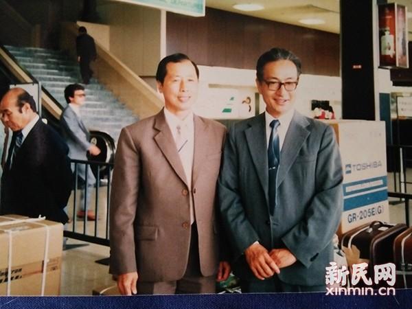 1985年周元龙与姜德昌赴日授太极