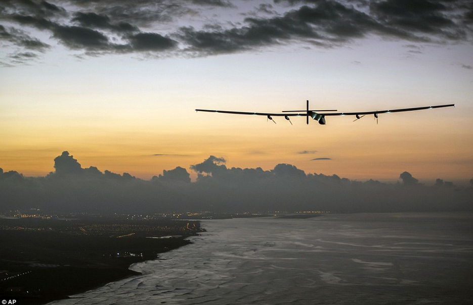 全球最大太阳能飞机连飞5天抵达夏威夷