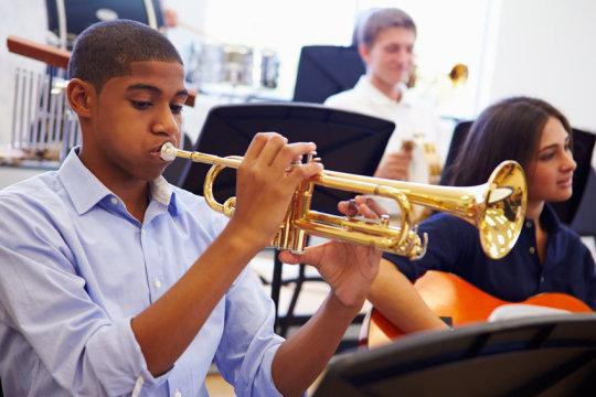 研究称高中生学点音乐可以改善大脑发育