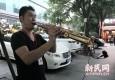 80后上海小伙从幕后走上街头:路人的认可是最大的动力