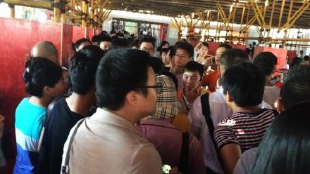 上海地铁1号线早高峰突发故障 网友称大量乘客滞留