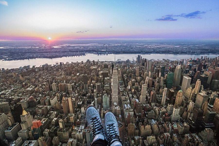 """美国兴起高空""""鞋自拍"""" 地标建筑同上镜"""