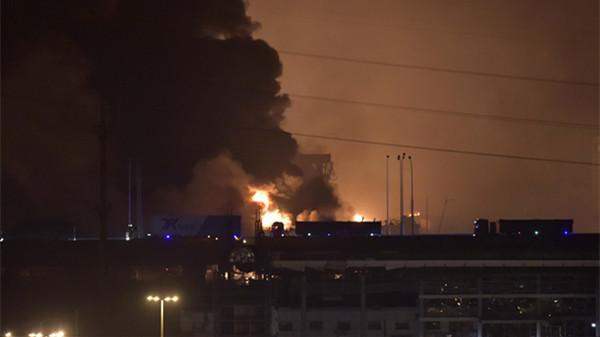 天津滨海一危化品仓库昨晚发生大爆炸 已致17人遇难