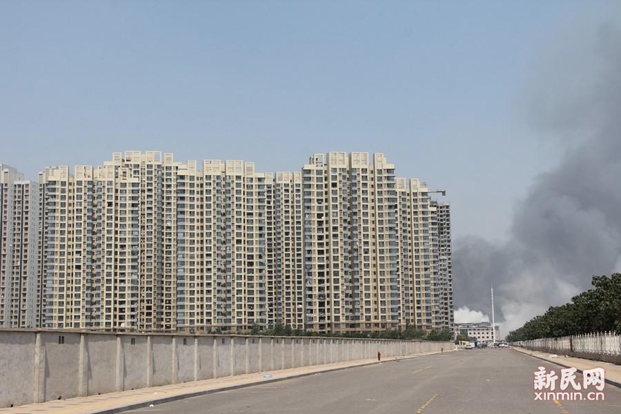 天津滨海新区爆炸致50人死亡 周边建筑受波及