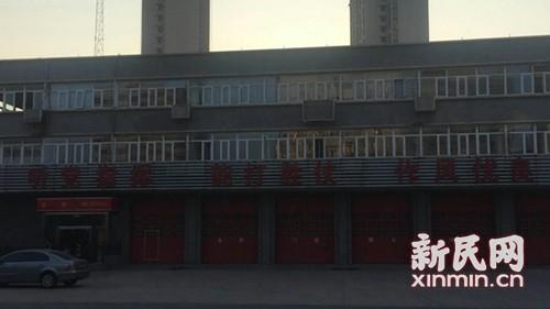 天津爆炸地点周边居民:不知道边上有危险品仓库