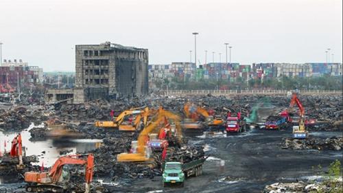 天津港爆炸事故已致121人遇难 确认身份119人