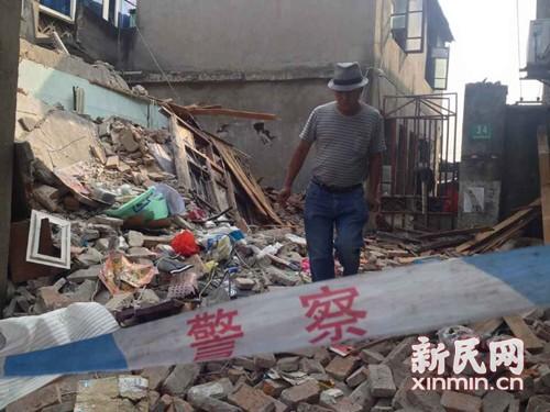 宝山南大村一民宅液化气钢瓶v民宅5人受伤送医星绣帽图片
