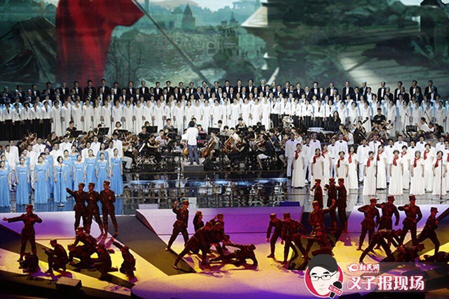 上海市民为和平歌唱 抗战歌曲唱响全城