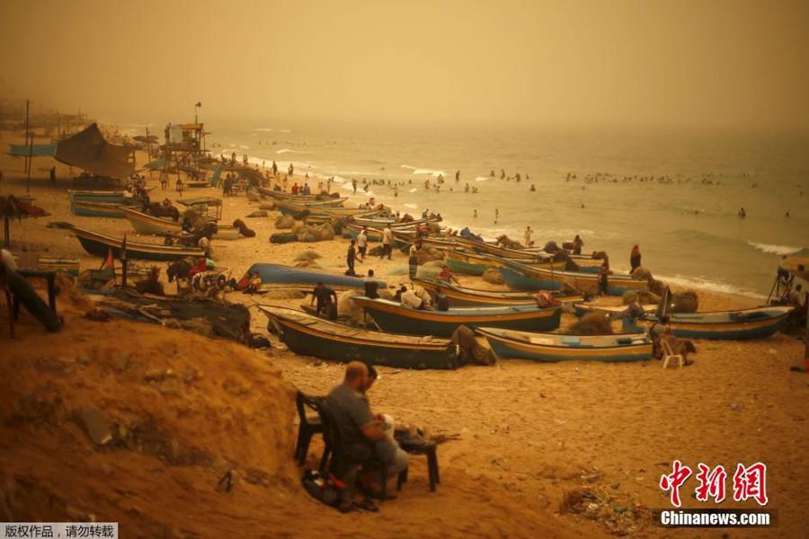 强沙尘暴吞没中东多城市 已致至少8人丧生