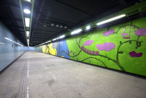 沪地铁年底前增11座换乘车站 迪士尼段列车上线调试