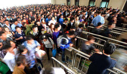 黄金周上海铁路单日预计50万人次将创纪录 远超春运
