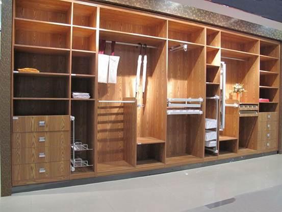衣柜的置放空间如何利用 以防不时之需