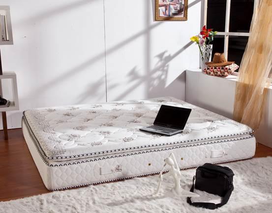 打造一夜精致睡眠 舒适床垫的选择
