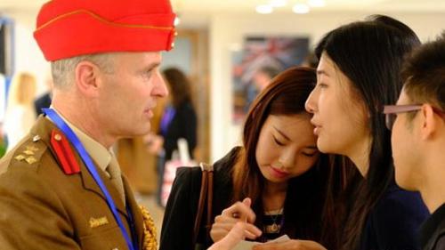 英国推出面对中国游客的两年多次入境签证