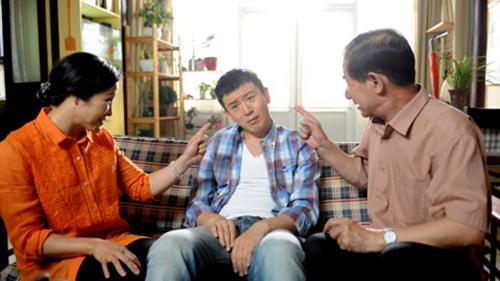 32岁男子为躲逼婚离家 父母赴公司阻止其工作