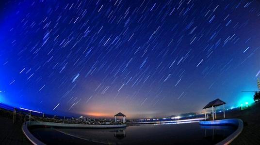 """11月最浪漫时间表:流星雨、""""星星相吸"""""""