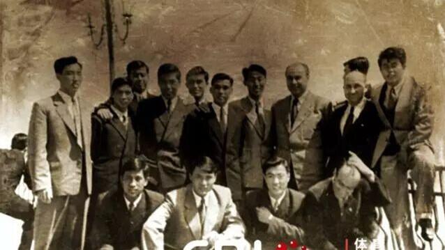 中国足球队留学匈牙利60周年纪念活动在崇举行